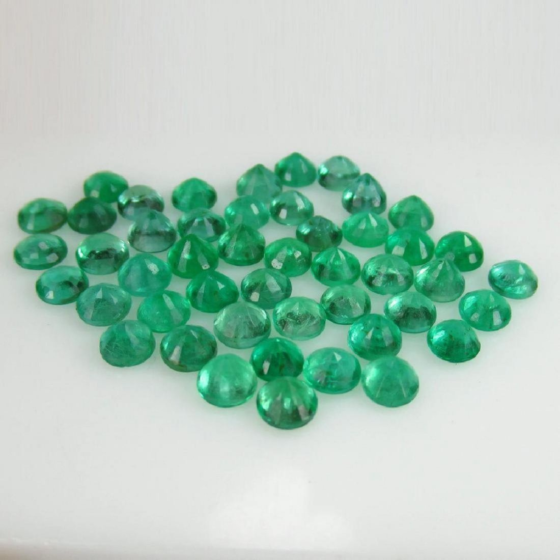 "10.10 Carat 47 Loose Round ""Diamond cut"" Emeralds - 3"