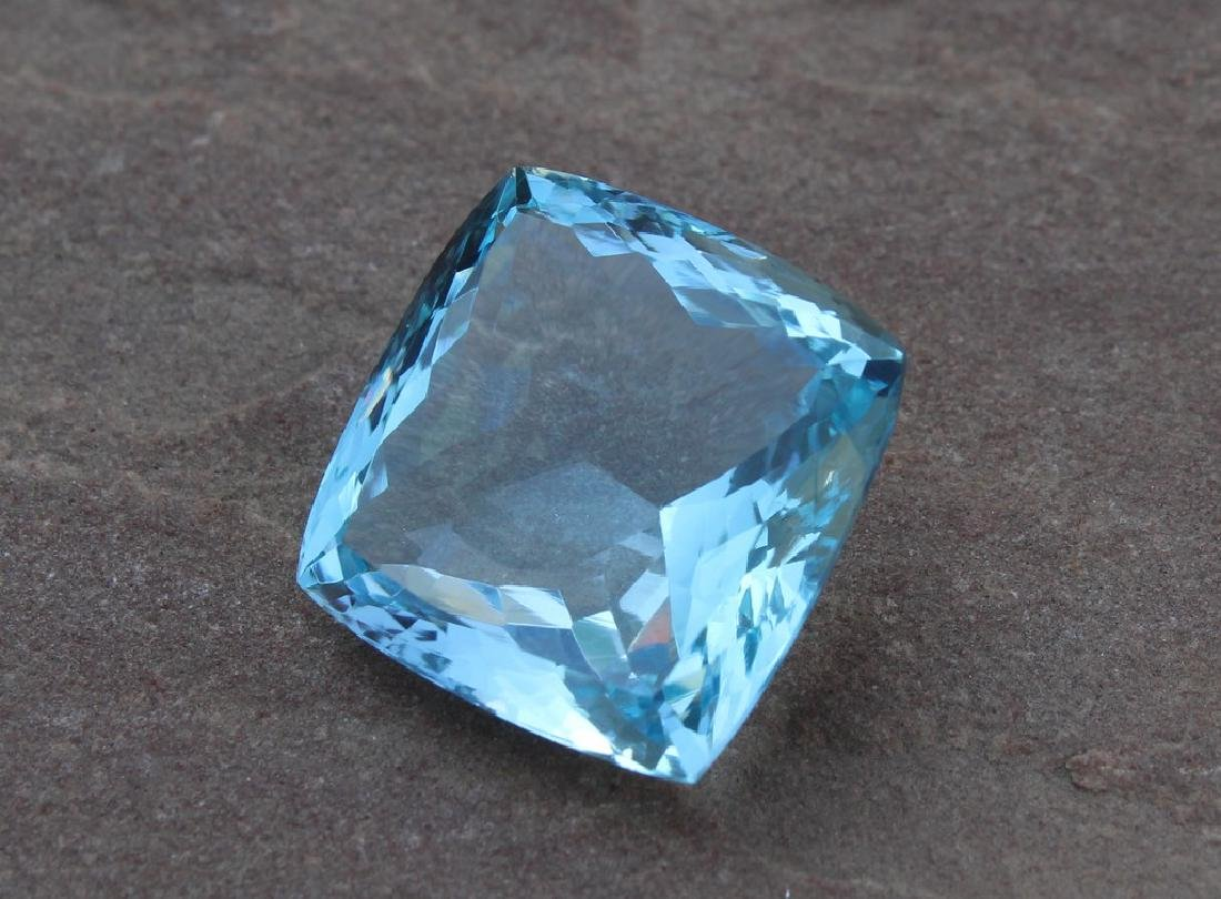 25.97 Carat Loose Blue Topaz with IGI Certificate - 2