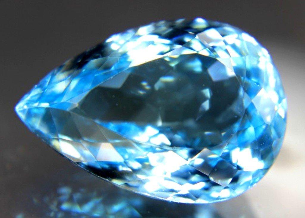 32.10 Carat Fantastic Blue Topaz Gemstone - 3