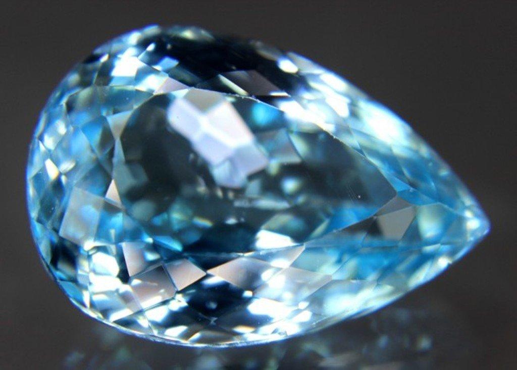 32.10 Carat Fantastic Blue Topaz Gemstone - 4