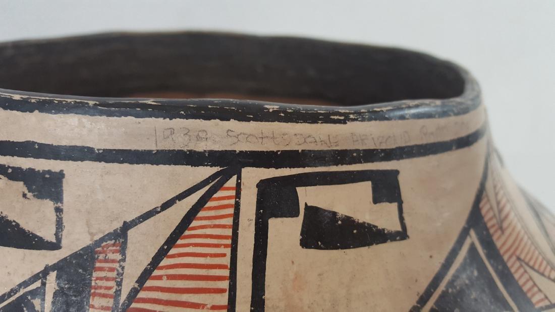 Large Zuni Style Pueblo Pottery Double Heartline 1930's - 2