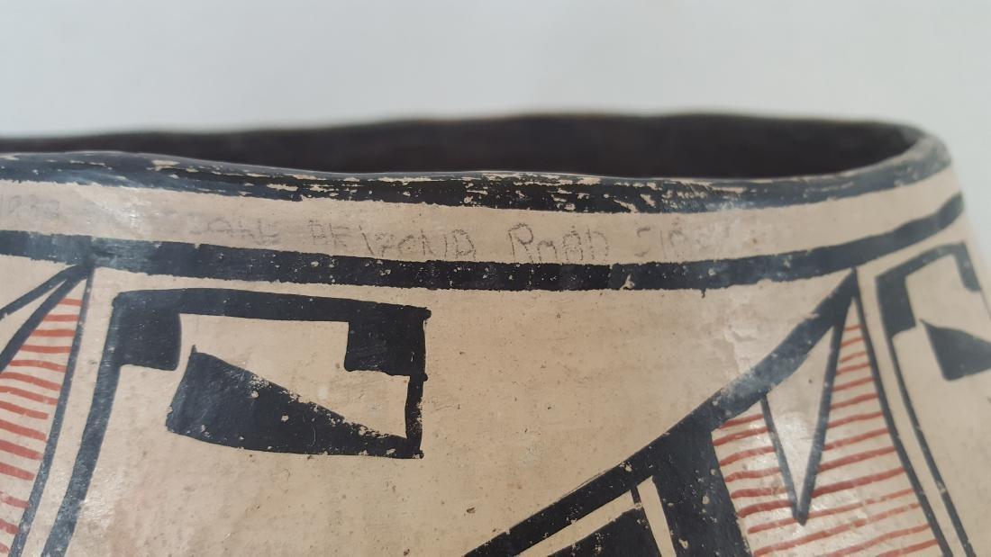Large Zuni Style Pueblo Pottery Double Heartline 1930's - 3