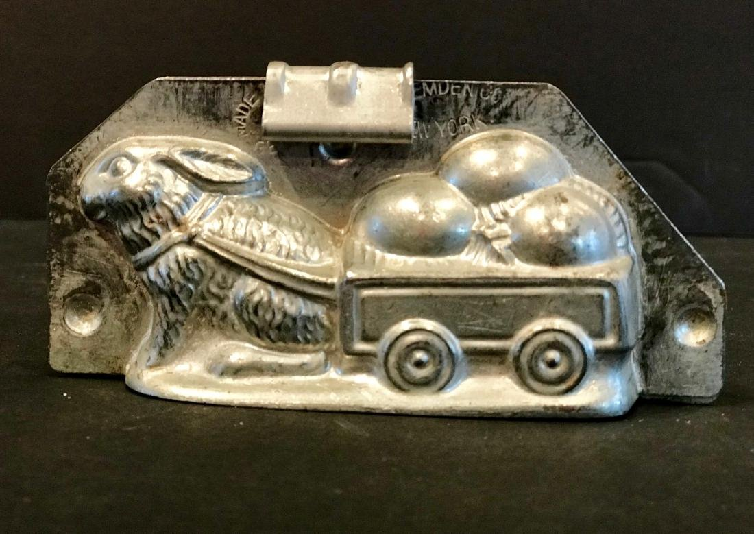 Bunny Rabbit Towing  Easter-Egg Cart Early 20th Century - 2
