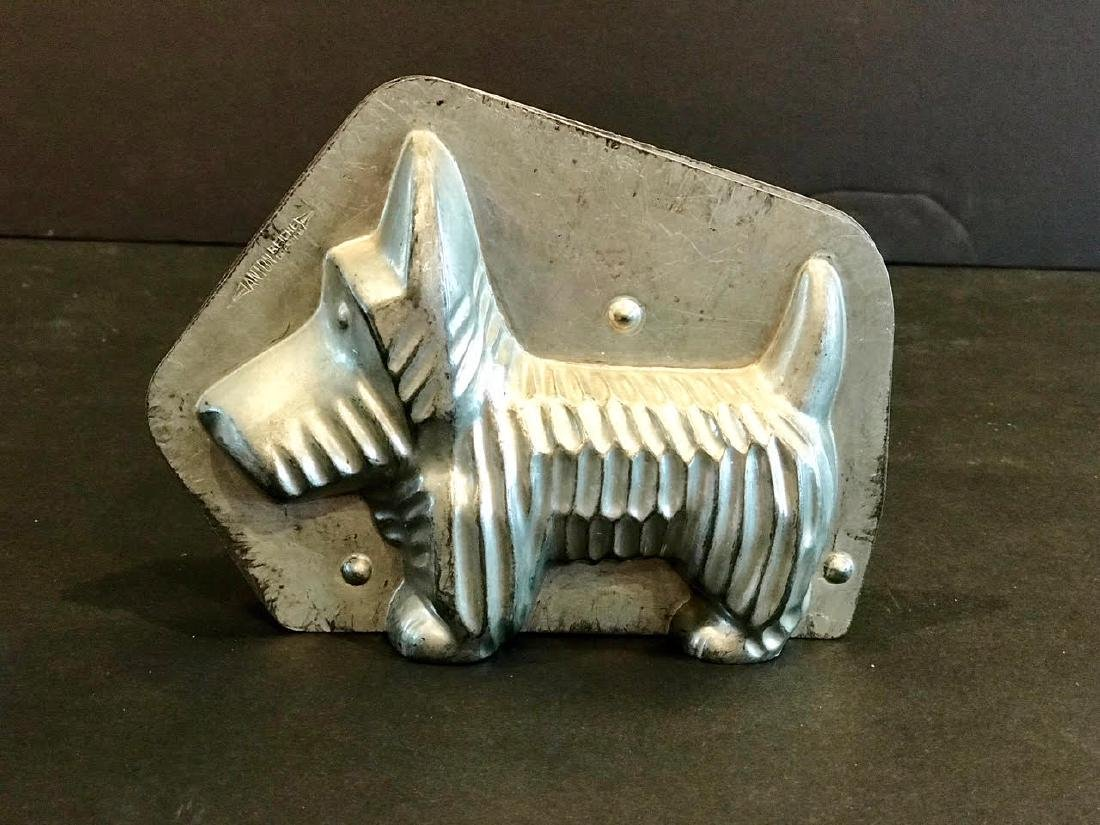 Scottie Dog Chocolate Mold, Early 20th Century - 2