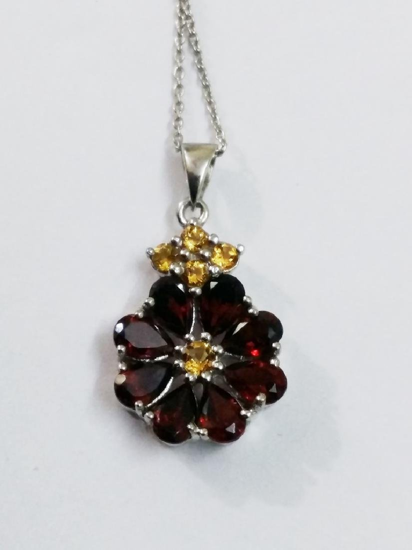 925 Sterling Silver Pendant with Natural Garnet and