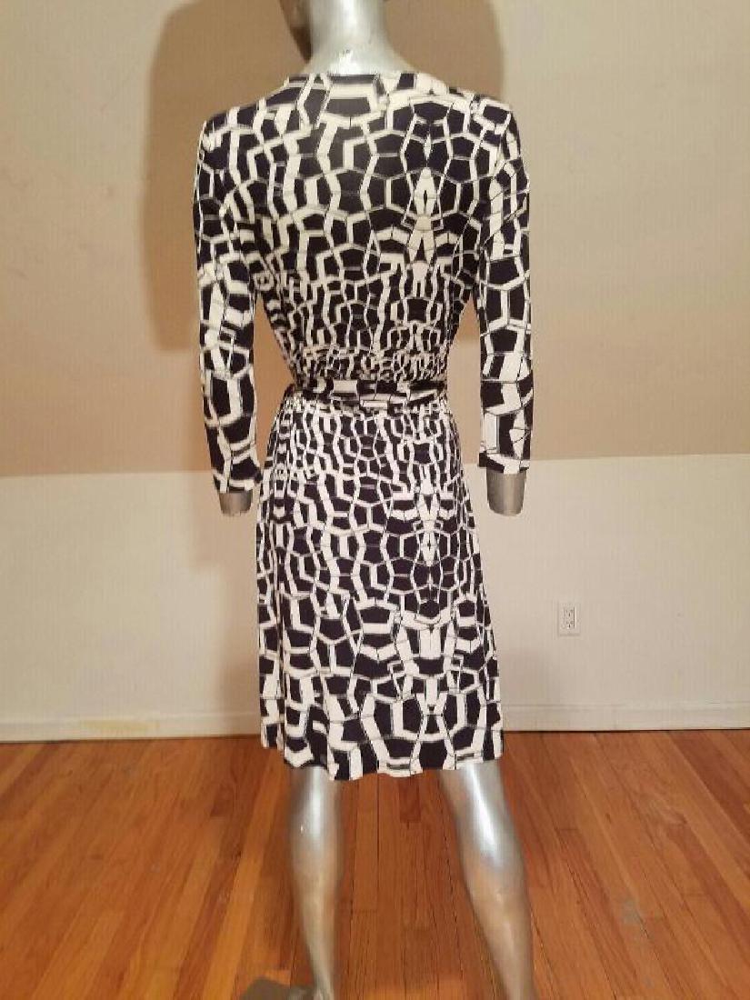 """Vtg Diane von Furstenberg silk wrap""""Diana"""" dress side - 3"""