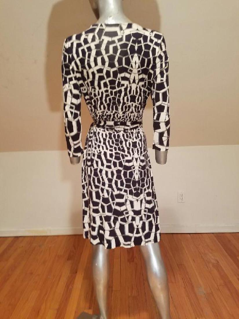 """Vtg Diane von Furstenberg silk wrap""""Diana"""" dress side - 4"""