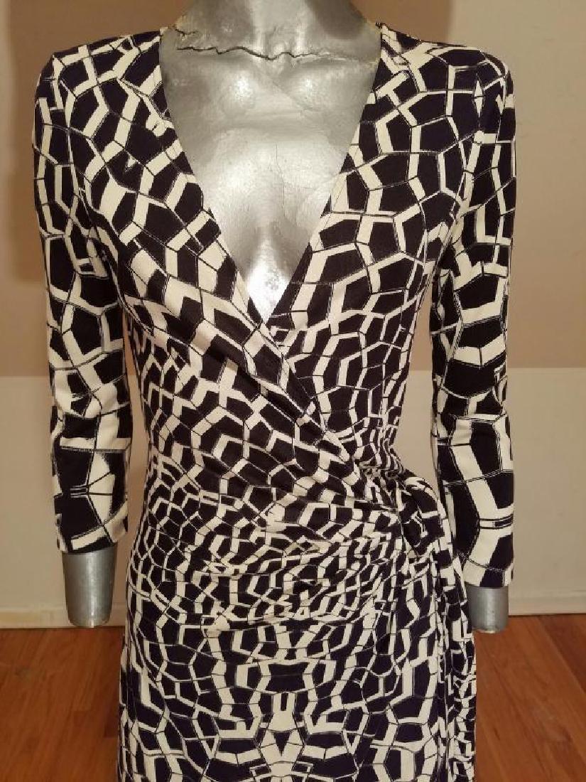 """Vtg Diane von Furstenberg silk wrap""""Diana"""" dress side - 5"""