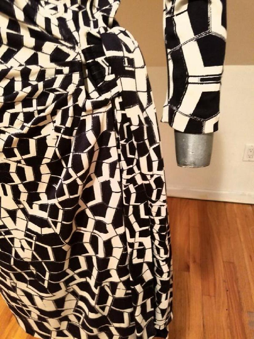 """Vtg Diane von Furstenberg silk wrap""""Diana"""" dress side - 6"""
