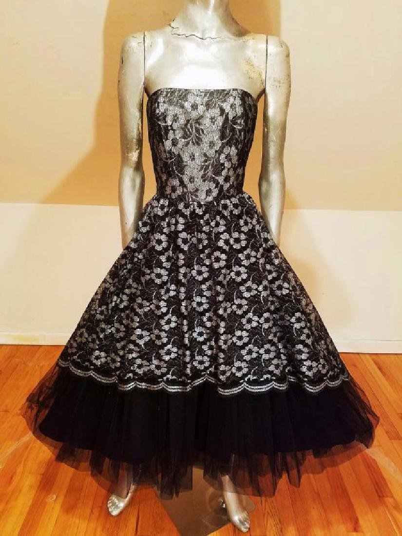 Vtg silver Lame' black lace & Tulle full sweep