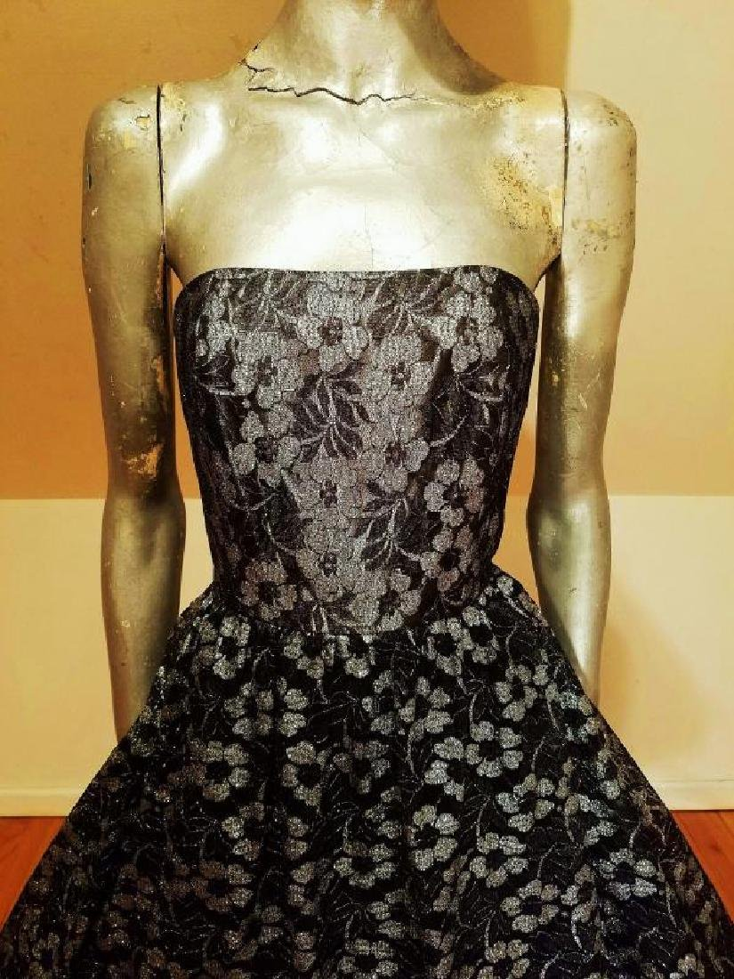 Vtg silver Lame' black lace & Tulle full sweep - 5