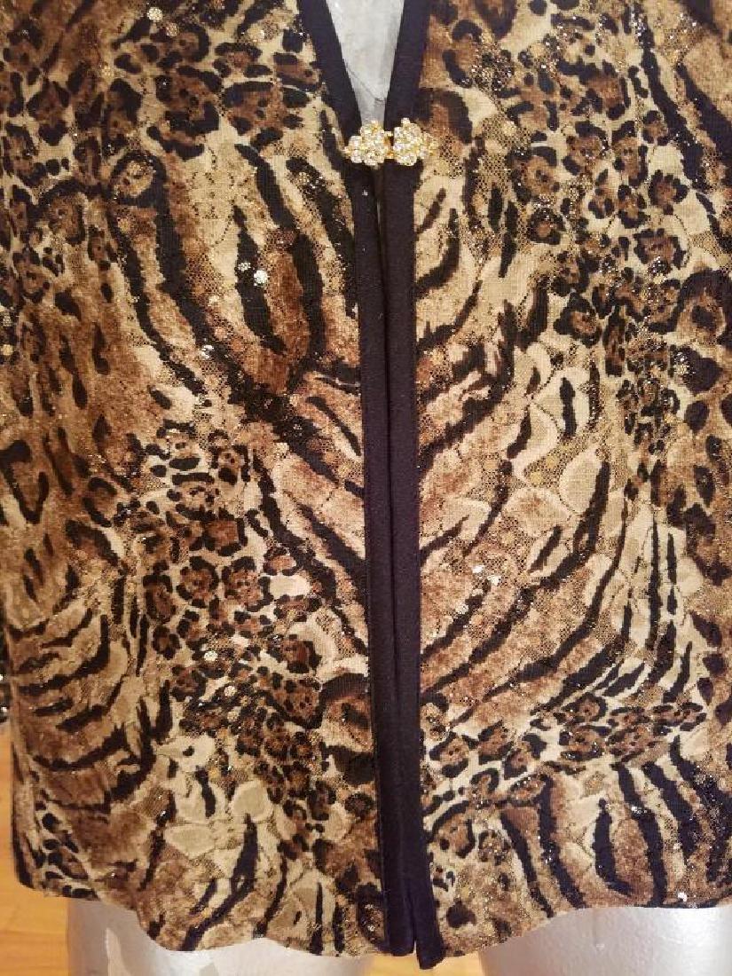 Vintage animal print large Tunic crystal closure - 2