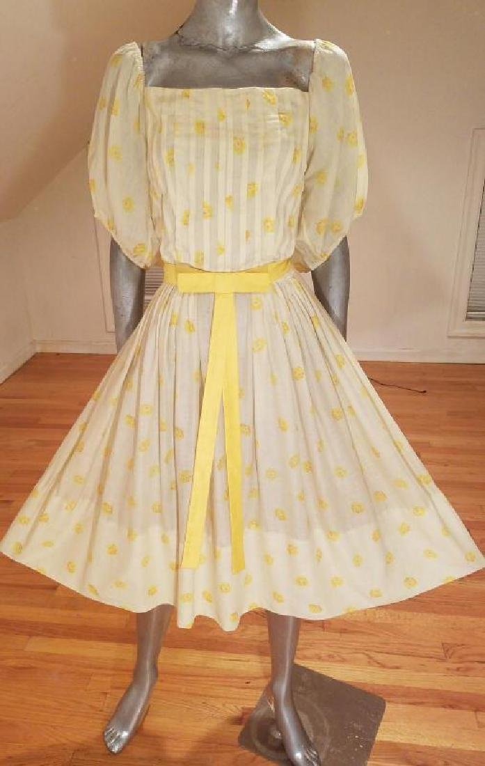 Vtg 1940's full sweep yellow cotton twill dress puff - 10