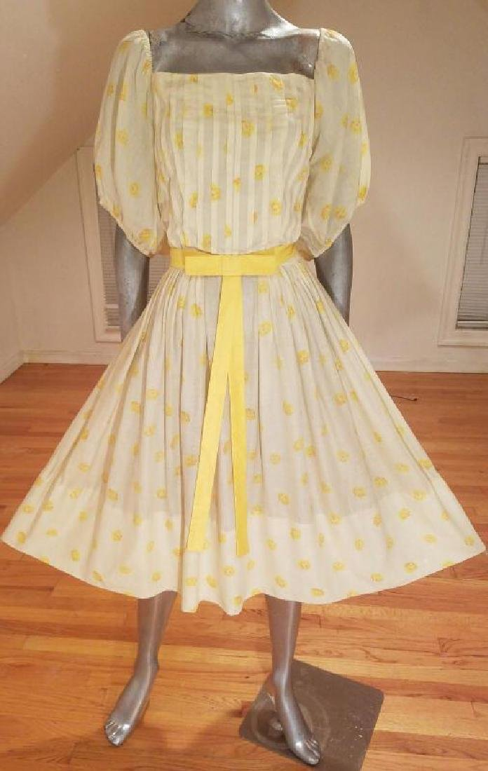 Vtg 1940's full sweep yellow cotton twill dress puff