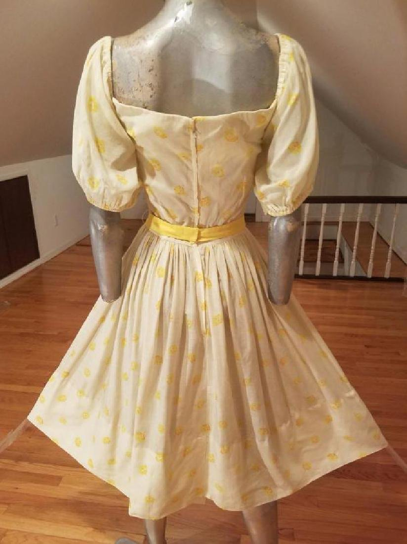 Vtg 1940's full sweep yellow cotton twill dress puff - 2