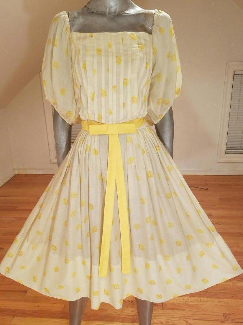 Vtg 1940's full sweep yellow cotton twill dress puff - 4