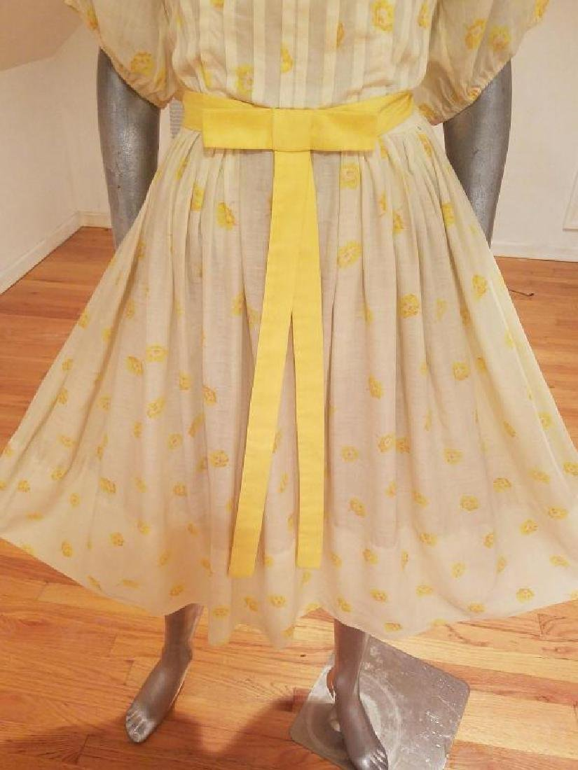 Vtg 1940's full sweep yellow cotton twill dress puff - 7