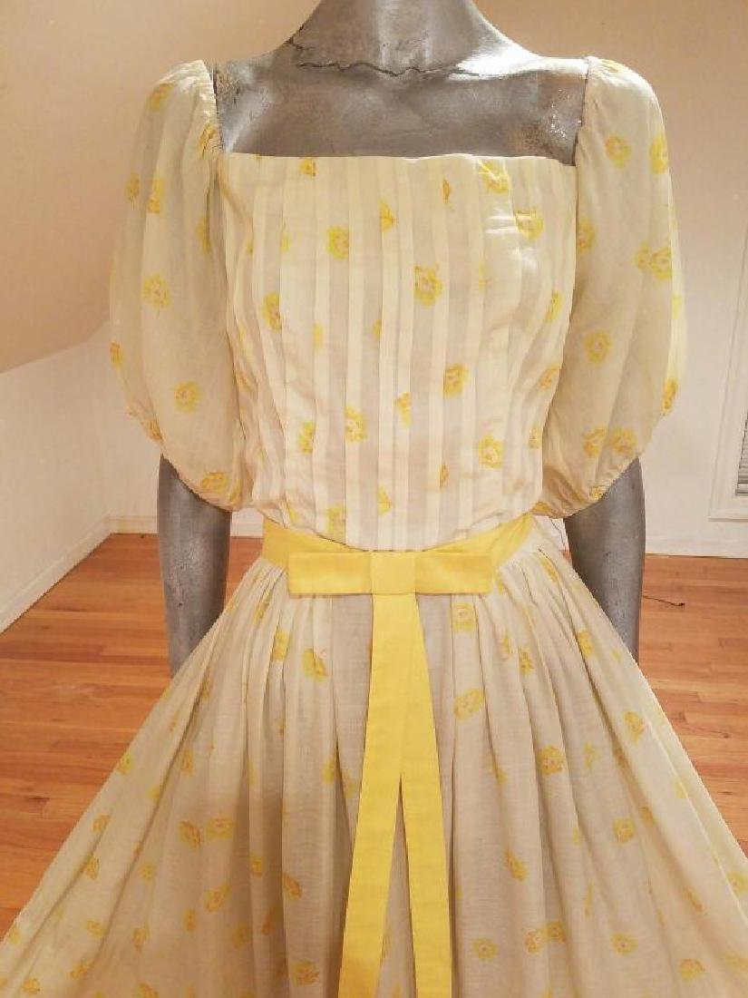 Vtg 1940's full sweep yellow cotton twill dress puff - 8