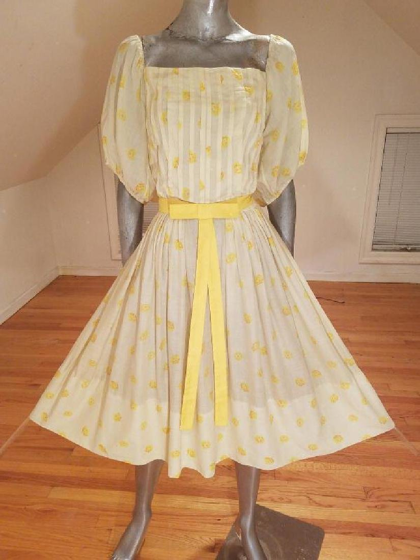 Vtg 1940's full sweep yellow cotton twill dress puff - 9
