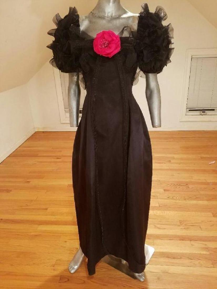Haute Couture 1970's Bill Blass Museum worthy silk gown
