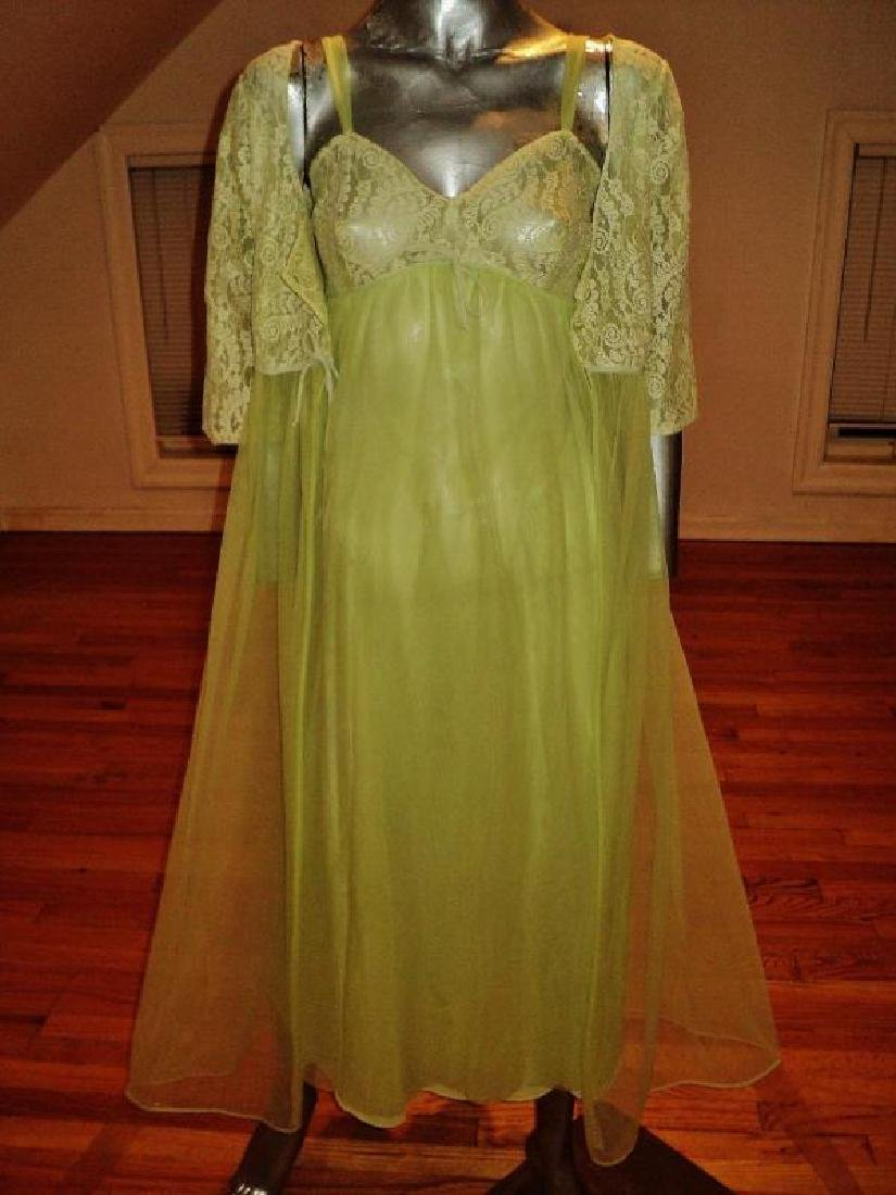 Vintage 1950's moss green nylon Peignoir set with lace