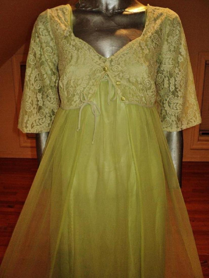 Vintage 1950's moss green nylon Peignoir set with lace - 5