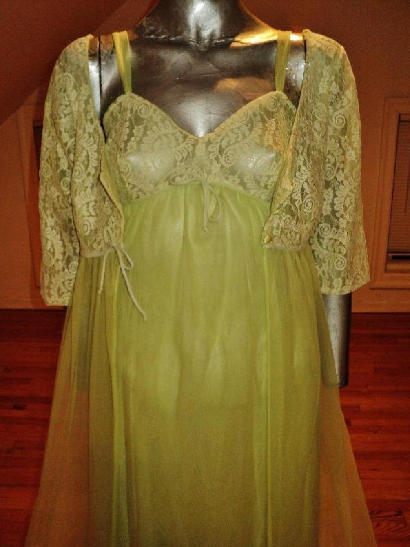 Vintage 1950's moss green nylon Peignoir set with lace - 7