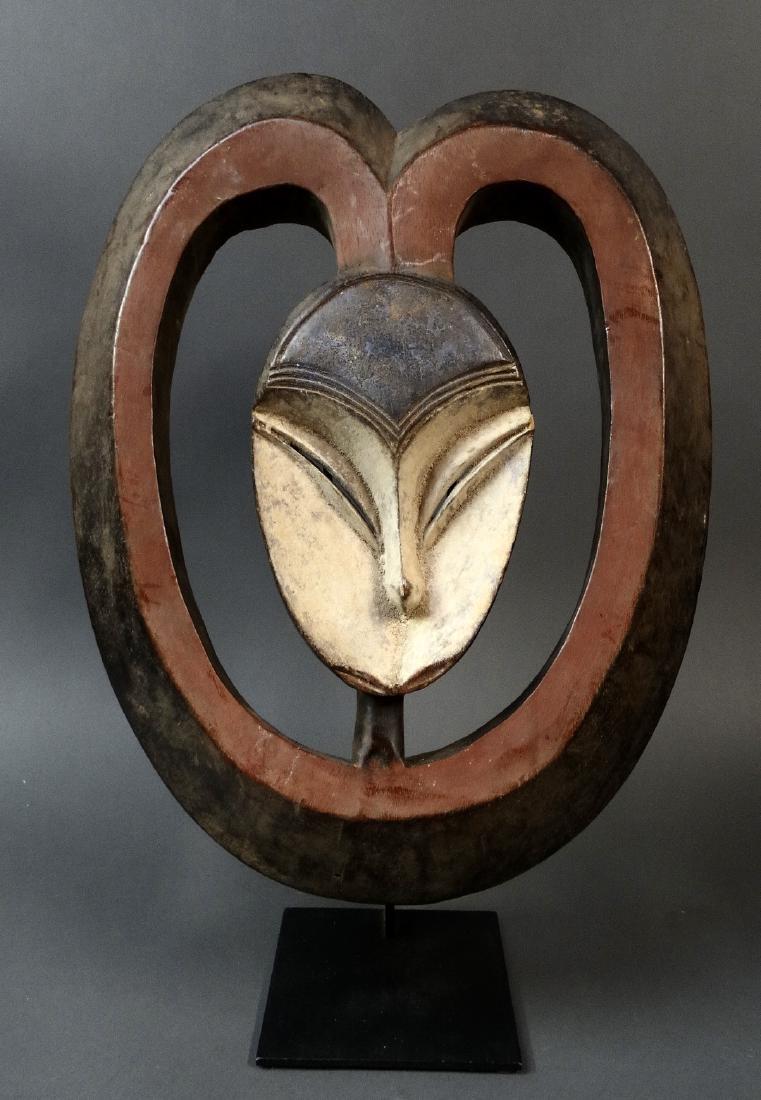 Impresive Ekuk Hart Mask - Kwele