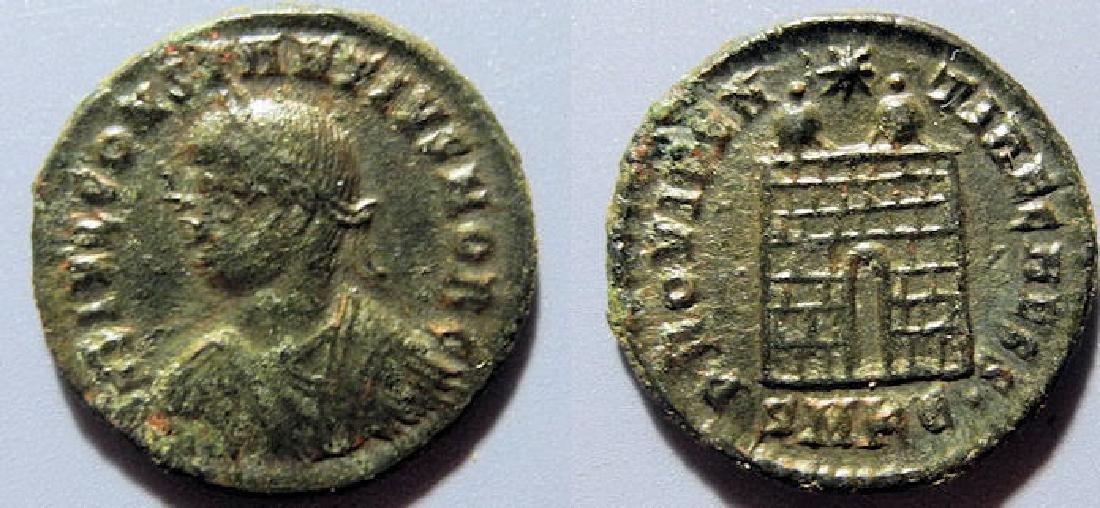 Constantius II, 337-361 AD, 19mm - camp gate reverse