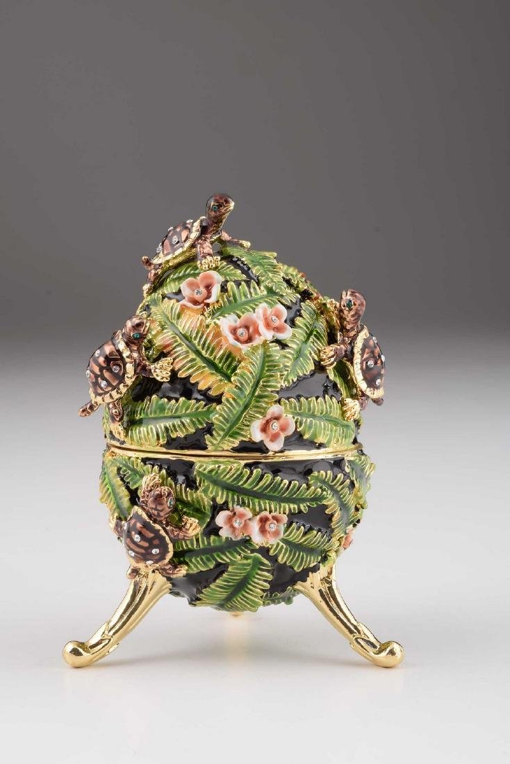 Fabergé Style Egg - Jewelery & Music box with turtles