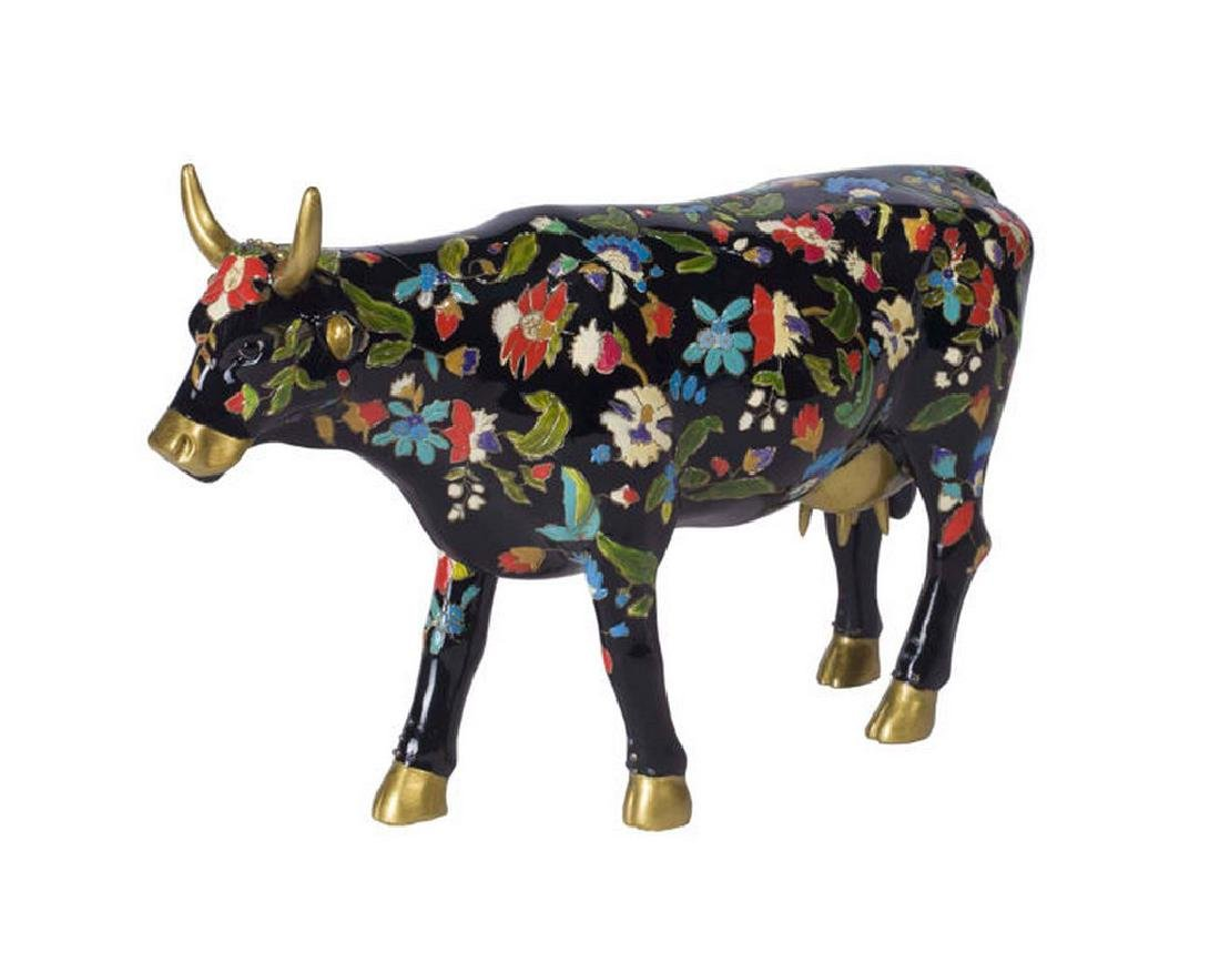 CowParade: Cowsonne Cow statue