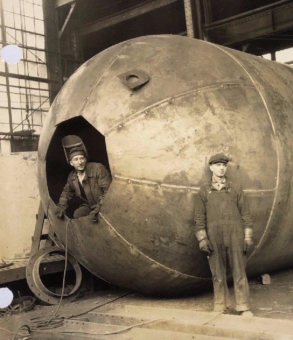 Antique 1929 Western Gas Industrial Steel Labor Photo