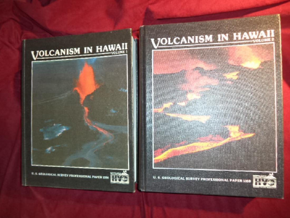 Volcanism in Hawaii. 2 volumes.