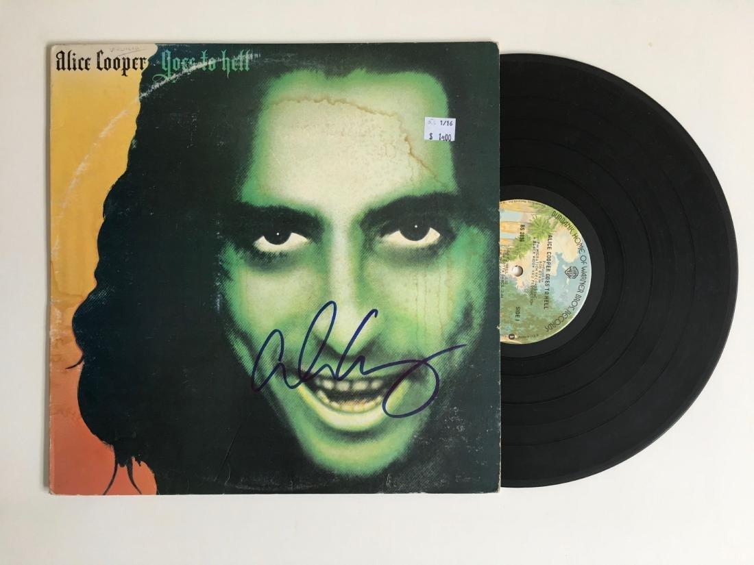 ALICE COOPER SIGNED ALBUM