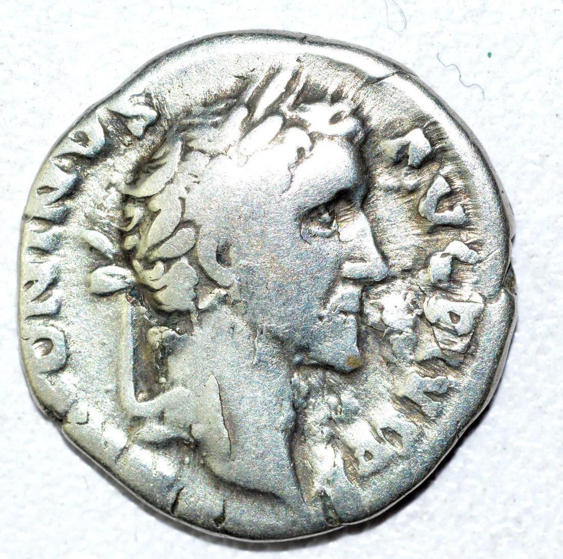 Antoninus Pius AR Denarius, rv. Clasped Hands