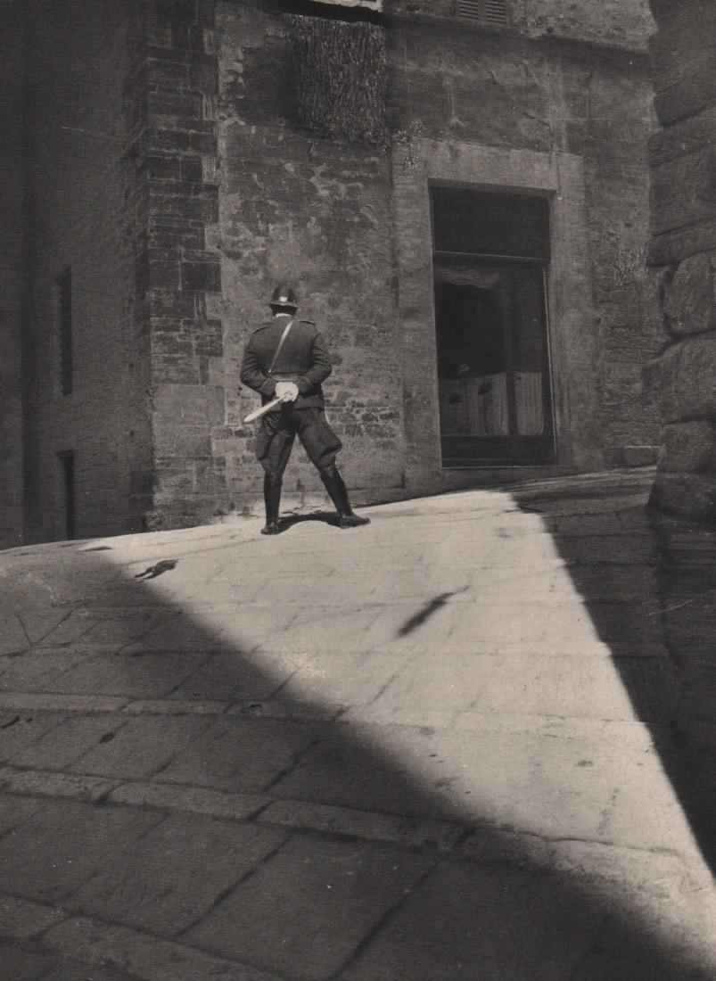 E.O. HOPPE - Policeman, Italy