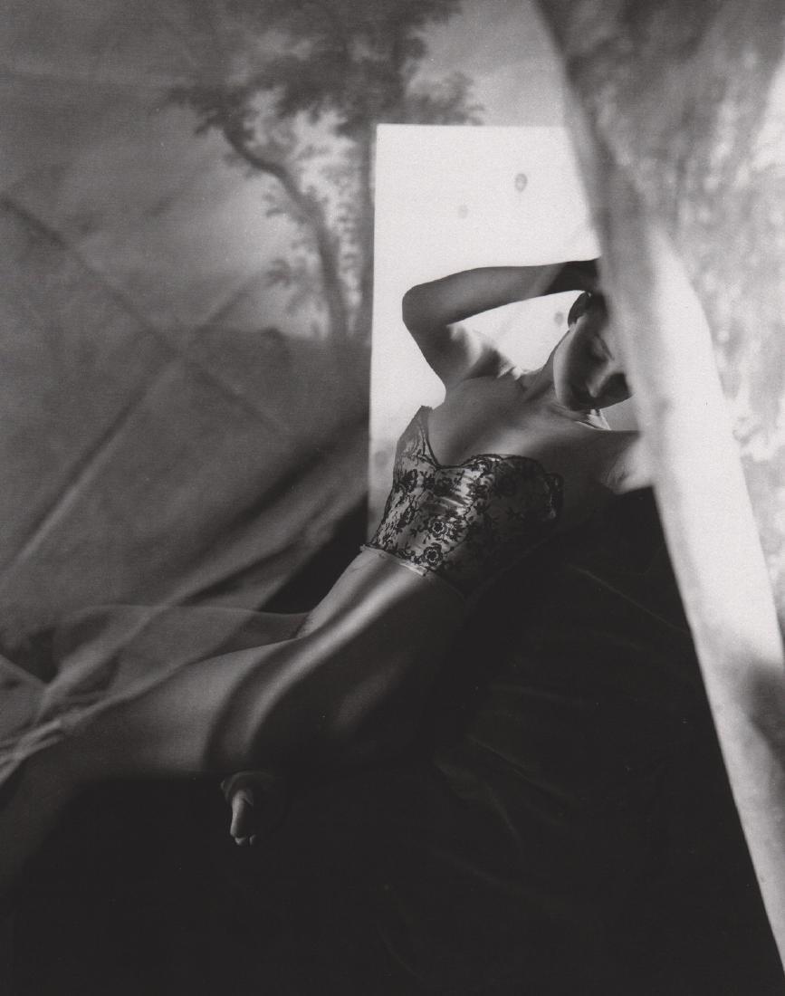 HORST - Dorian Leigh, Lingerie, 1946