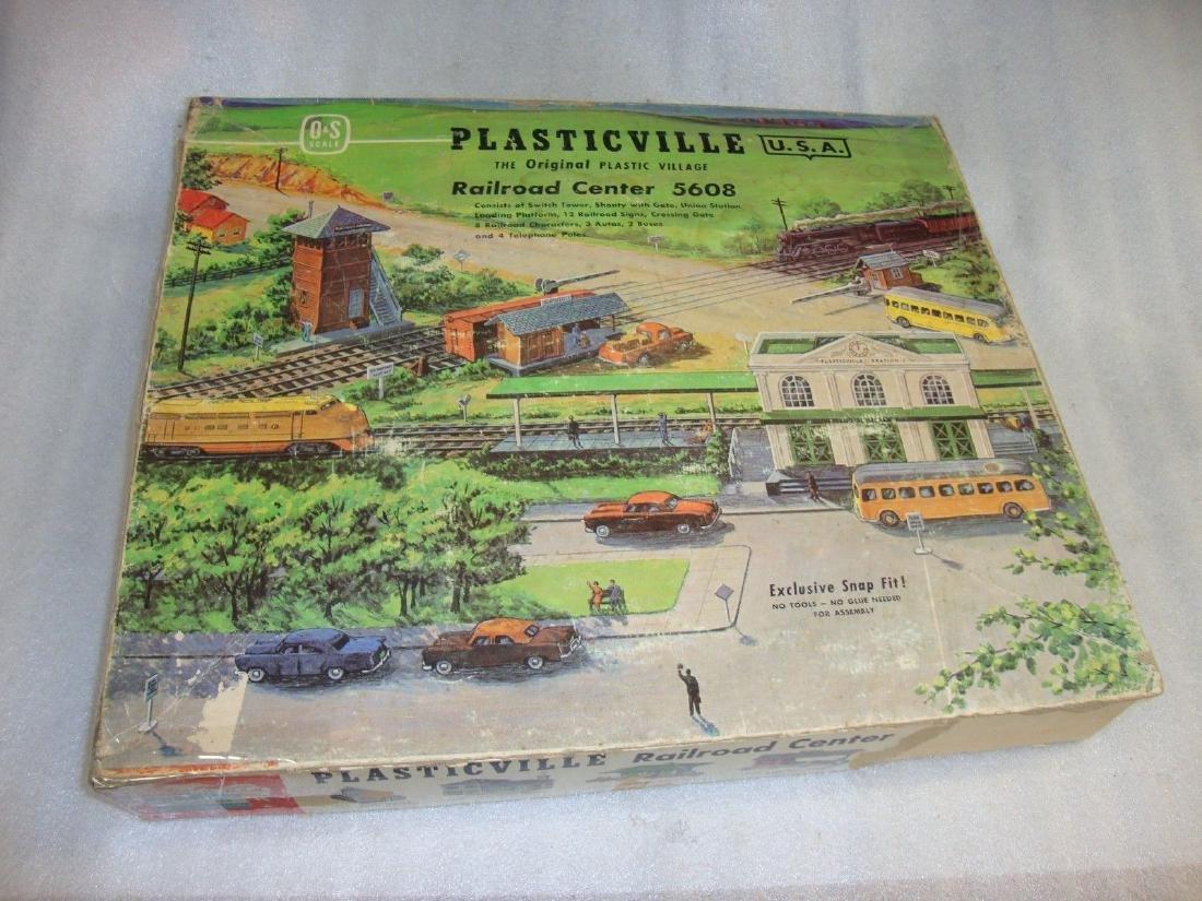 1959 PLASTICVILLE Railroad Center 5608 O & S Scale