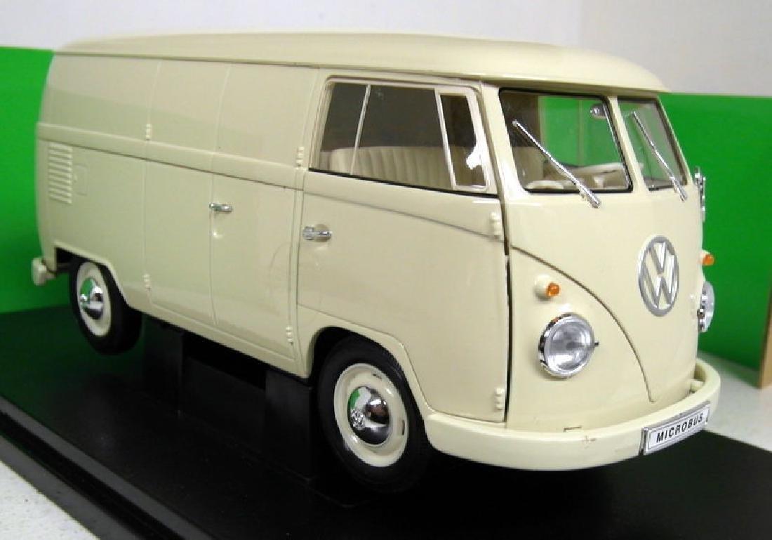 1/18 Scale Volkswagen T1 Van 1963 - Beige