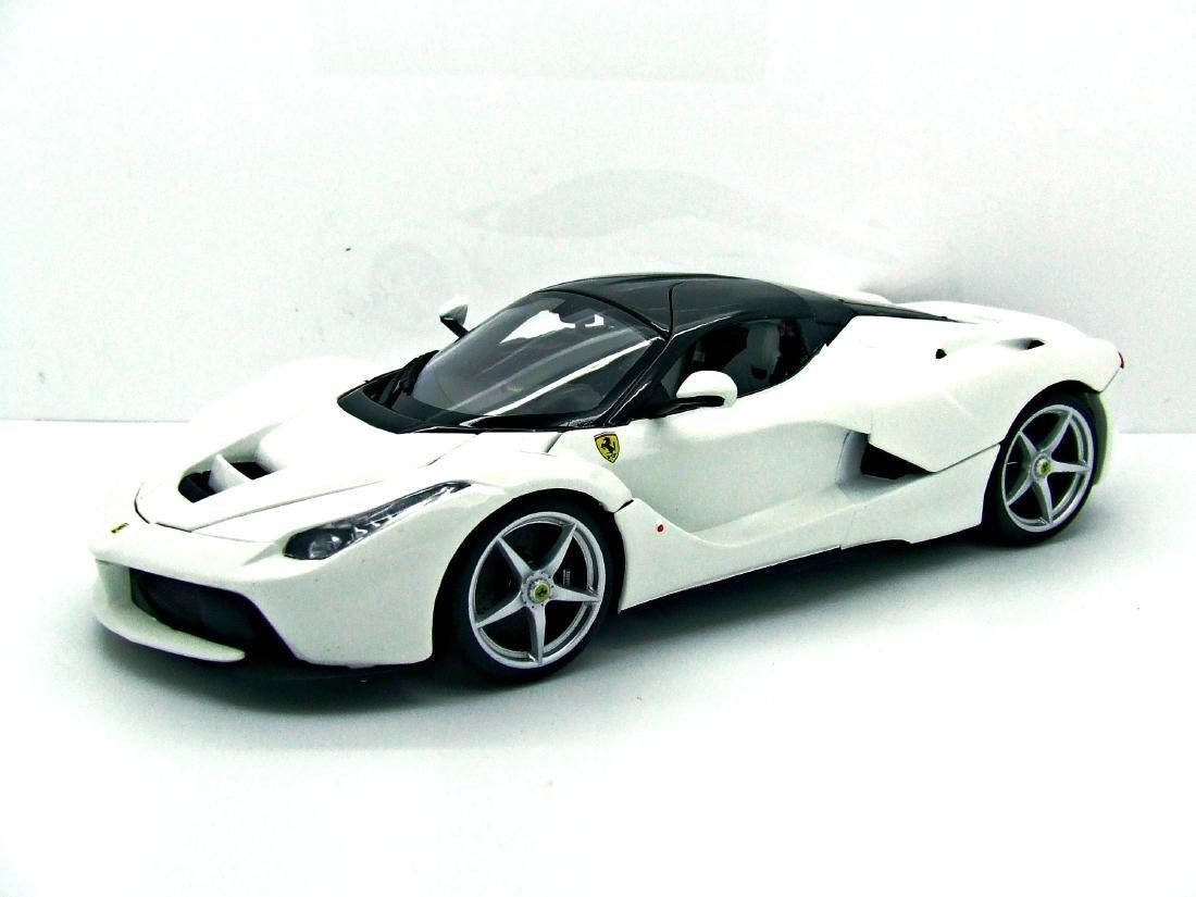1/18 Scale Ferrari Laferrari - White