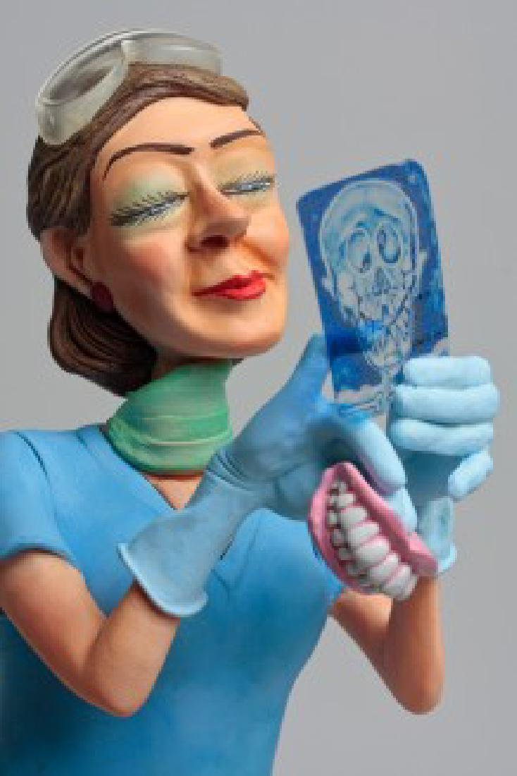 Guillermo Forchino - Lady Dentist - Comic Art statue - 2
