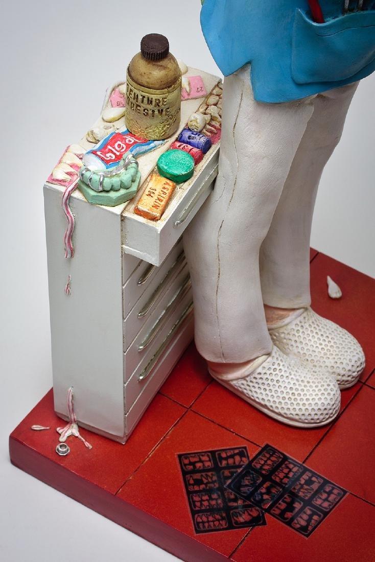 Guillermo Forchino - Lady Dentist - Comic Art statue - 4