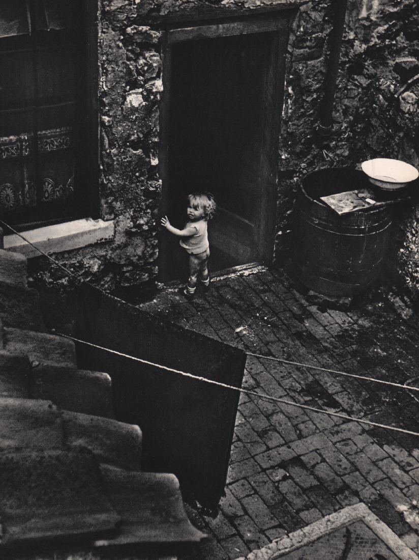 BILL BRANDT - Child in a Tenement