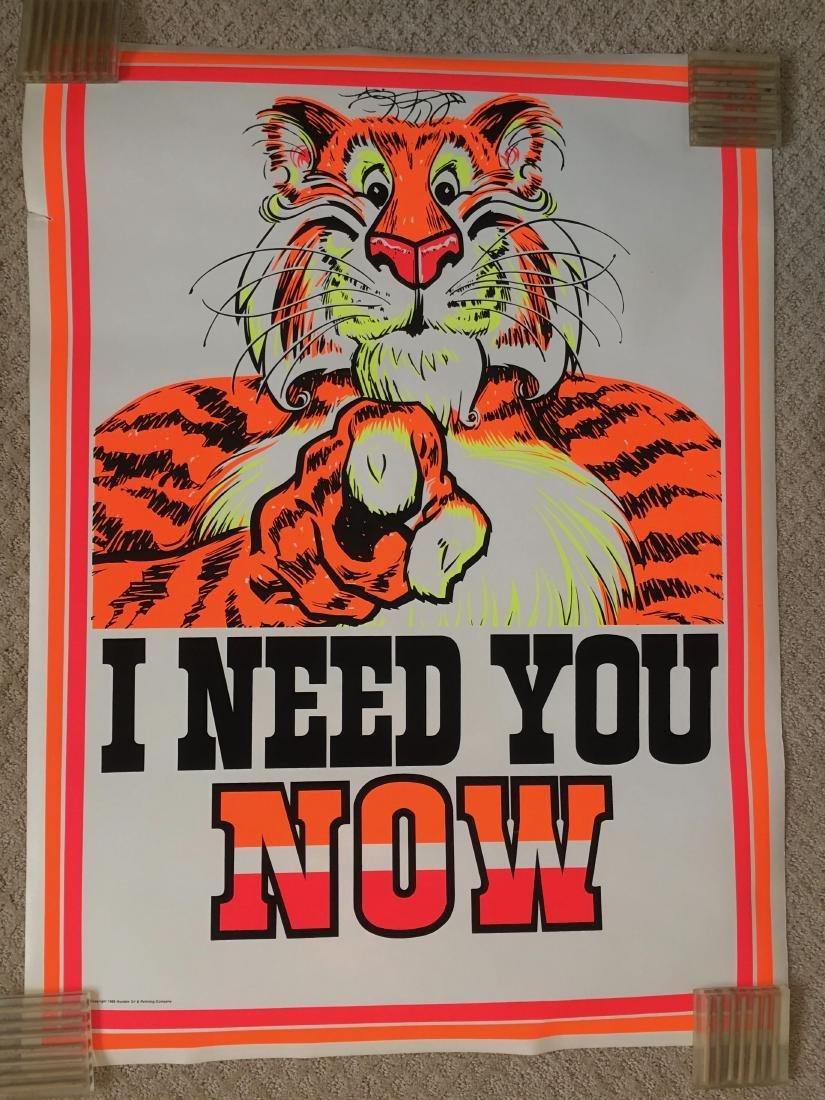 RARE - ESSO TIGER - I NEED YOU NOW ! Blacklight