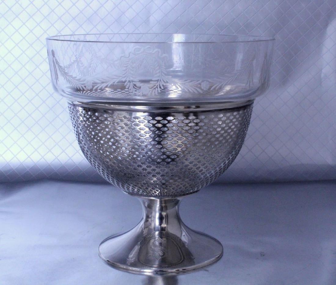 nternational Silver Footed Bowl Wheel Cut Glass Bowl