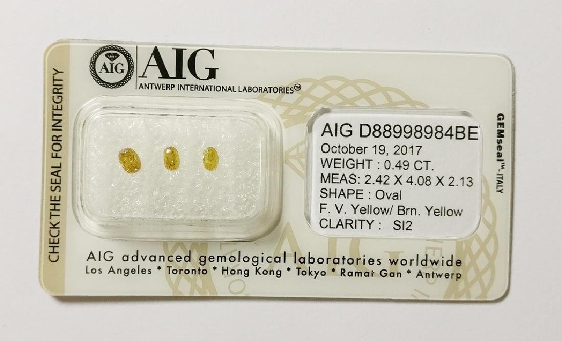 0.49 ct Oval cut diamond F.Vivid Yellow / Brownish
