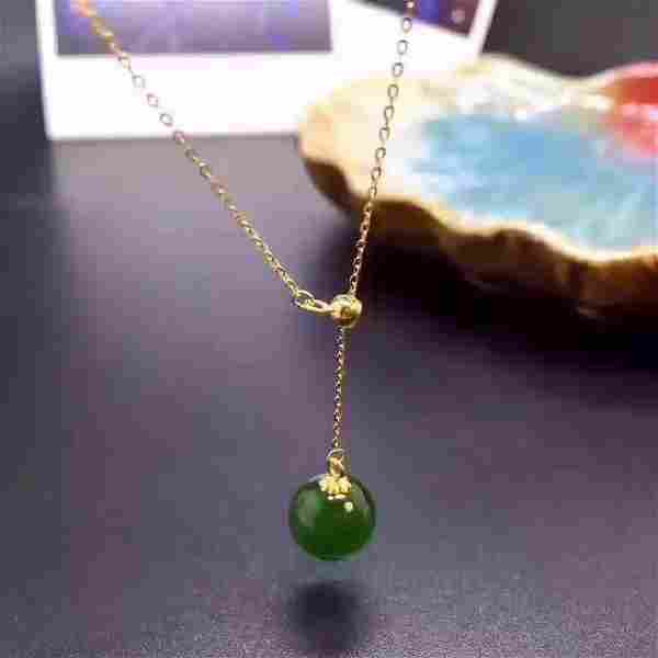 18k yellow gold with Jade pendant
