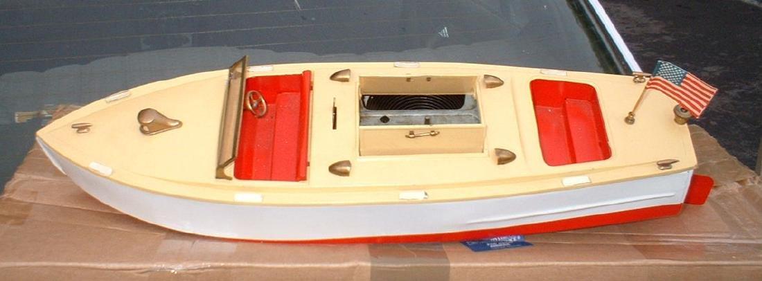 """Late 1950's 18"""" Lionel Craft Speedboat - 2"""