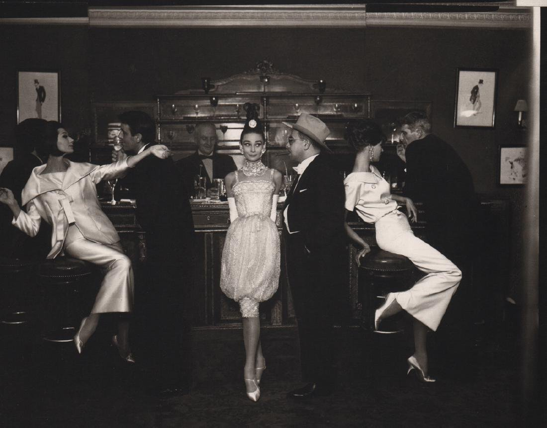 RICHARD AVEDON - Audrey Hepburn & Art Buchwald