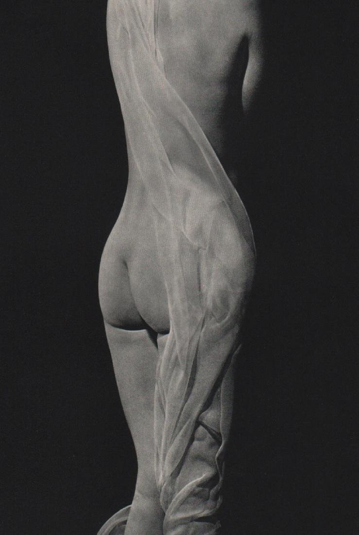 ERWIN BLUMENFELD - Draped Nude